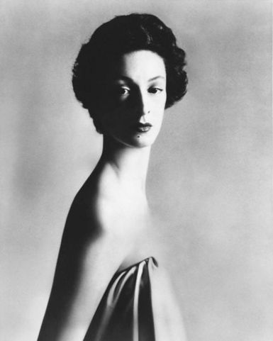 http://www.suprememanagement.com/being/wp-content/uploads/2009/04/marella-agnelli-1953.jpg